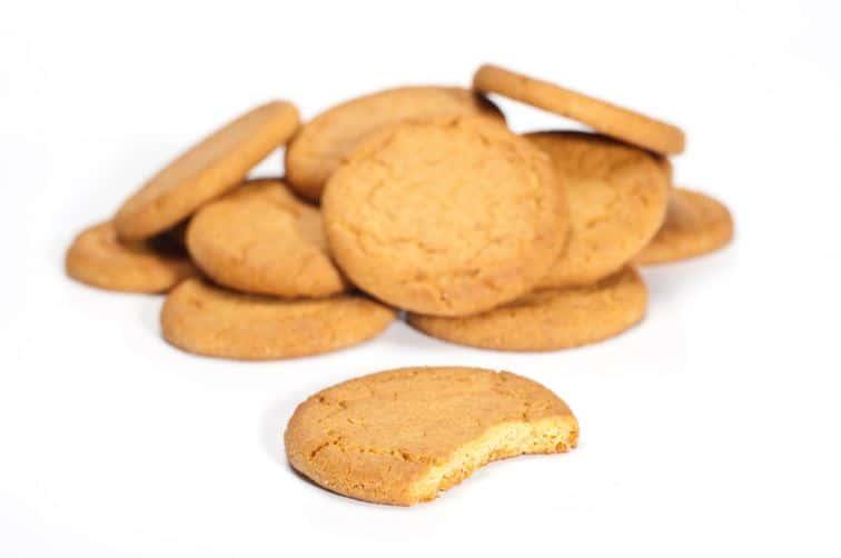 biscuits, céréales et barres de chocolat pomme cannelle fruits rouges